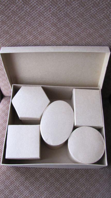 Boîtes de carton ou de bois, peintes et décorées by me
