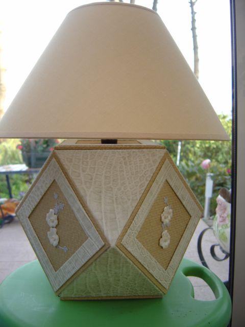 Plan de coupe et tuto de montage cartonnage pied de lampe base carrée