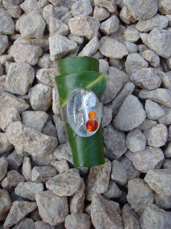 bagues diverses réglables ou non. faites en aluminium, cuivre, résine ou collage(cliquez sur les photos pour savoir le prix ou la disponibilité. les frais de port ne sont pas compris)
