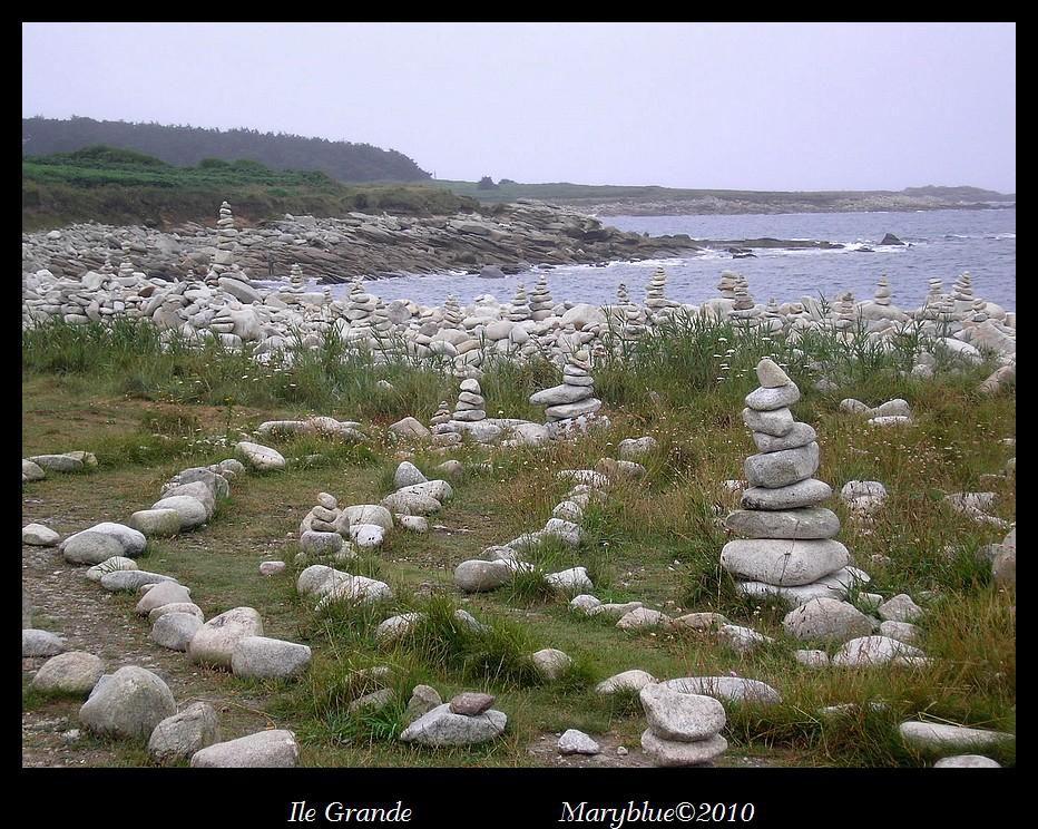 Périple de 7 jours en bivouac sur le GR34 entre Trestel et Locquirec, soit 102 km.