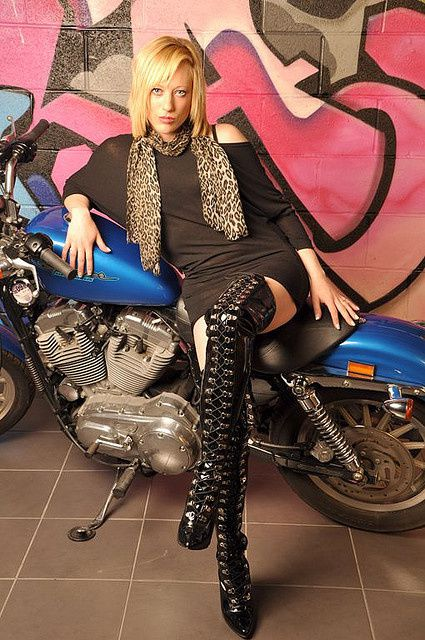 Bikes, Babes, Tattoos and Rock'n'Roll ... Enjoy !