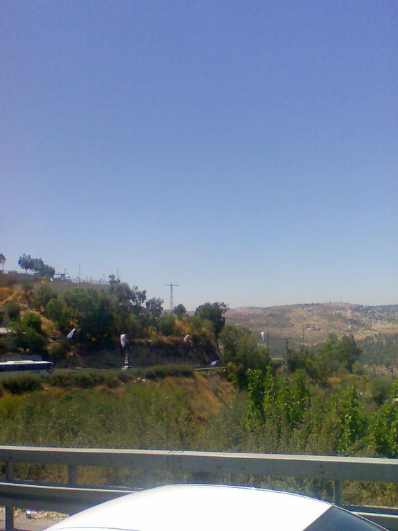 Une journée passée a Jérusalem, photos prises de mon portable, à travers la fenêtre de l'autobus.