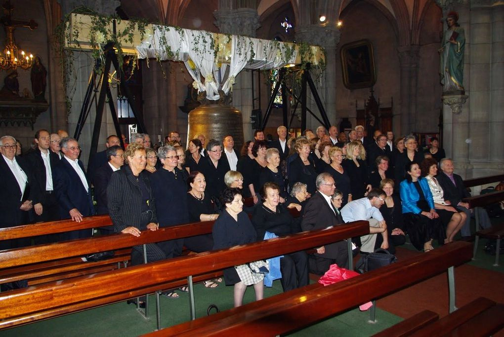 Album - 2011---8-mai-benediction-cloche-st-Etienne
