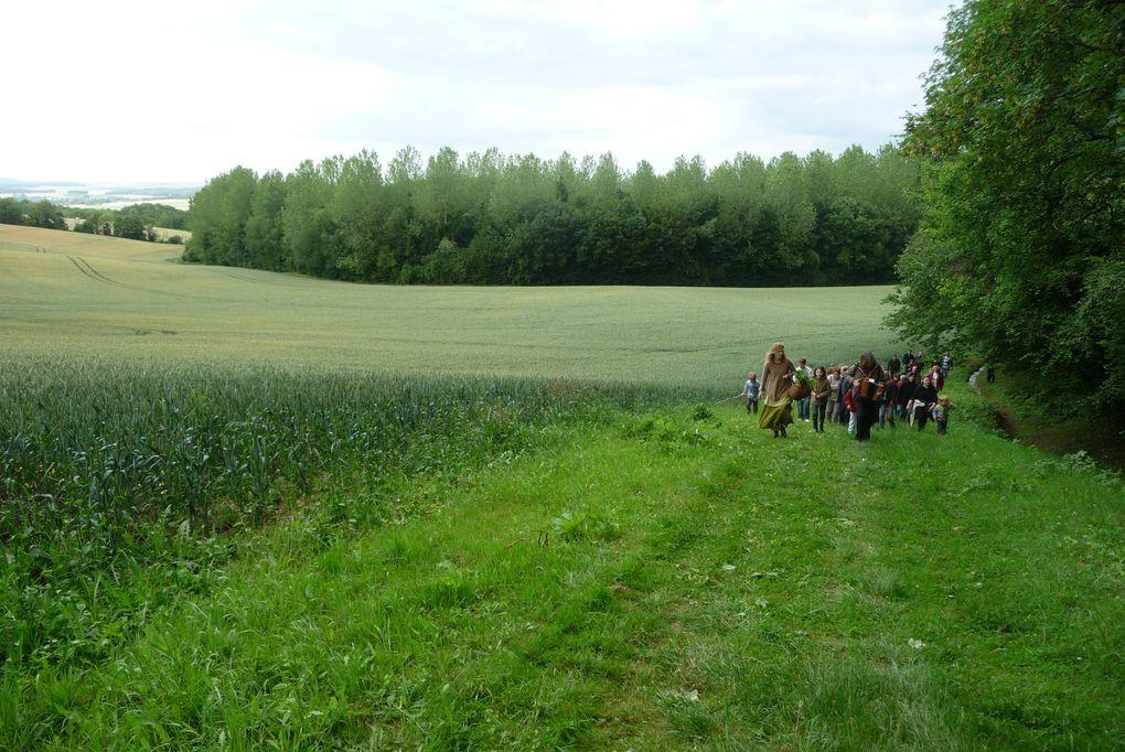 Album - Fete-des-moulins-19-juin-2011.-Balade-herboriste