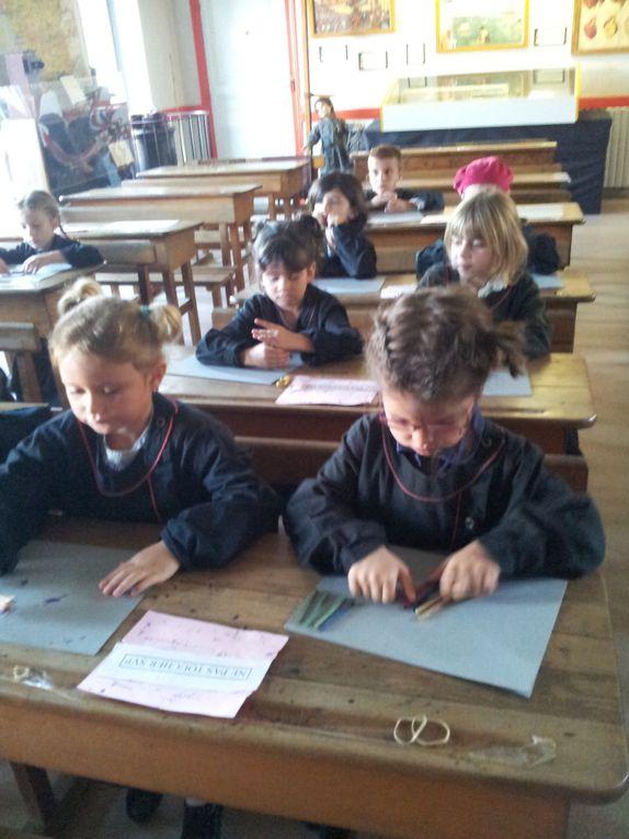 Photos de notre sortie au musée de l'école de St Rémy/ Octobre 2011.