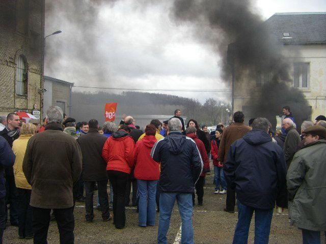 Barbecue de lutte contre les 26 licenciement le 3 février 2010.