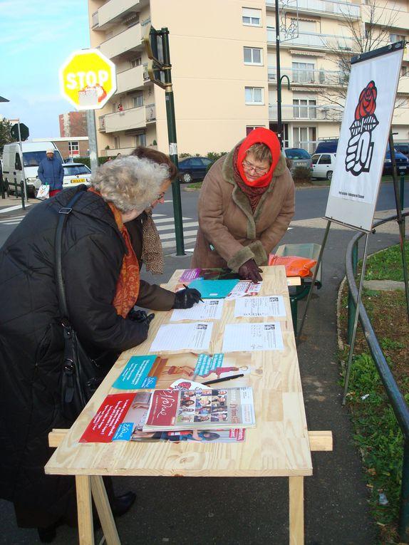 Album - Les socialistes font signer la pétition &quot&#x3B;l'Essonne, j'y tiens !&quot&#x3B;