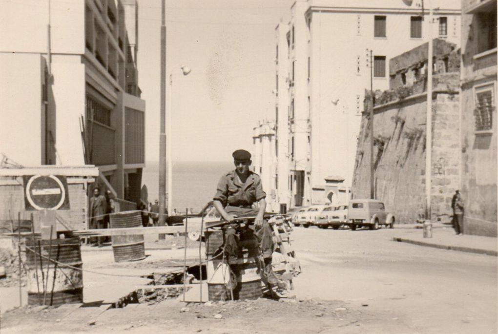 Ce catalogue regroupe des photos d'anciens du 1 - 22 RI dont Daniel MAILLET, Raymond FOISSAC, Daniel DINE, Jacques Duchadeau