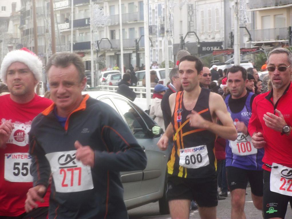 Le R2C à la corrida de Noël du Pouliguen, le 23 décembre 2012. Photos L.S. et organisation.