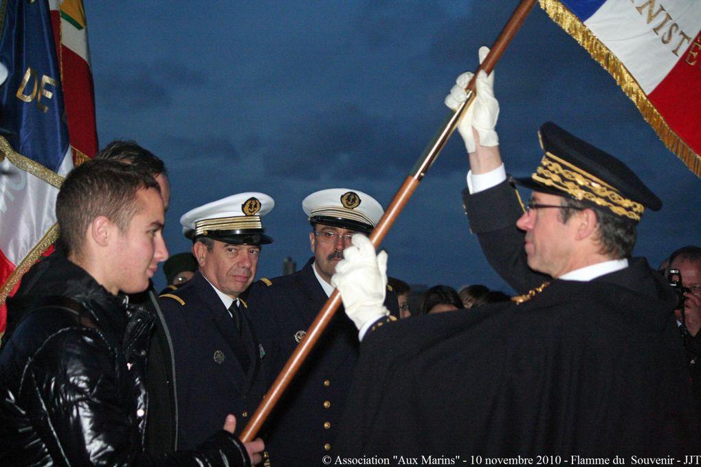 10 novembre 2010-3ème cérémonie annuelle de Ravivage et de partage de la Flamme du Souvenir au cénotaphe de la Pointe Saint Mathieu en Plougonvelin (Pays d'Iroise)