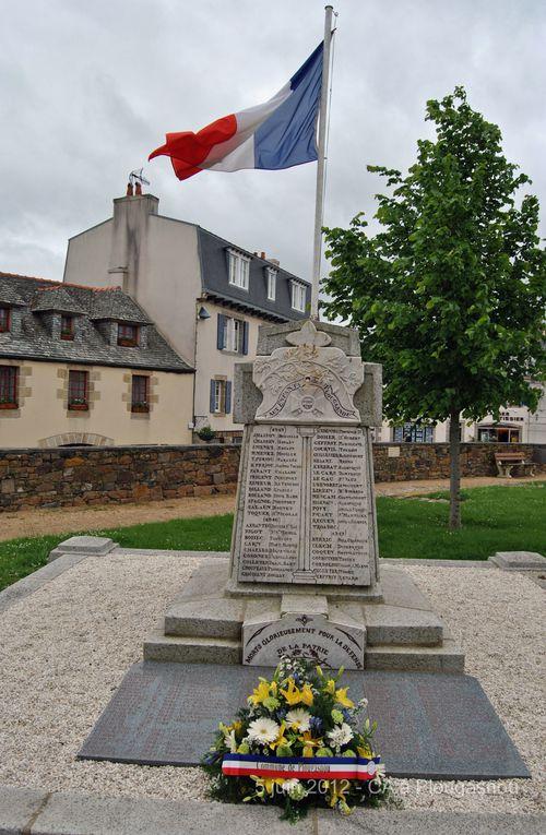 Mardi 5 juin 2012 - Le CA et les bénévoles de l'association Aux Marins en visite  à Plougasnou.Photographies : Jean-Luc Le Bris et Gilbert Kervran (Ass Aux Marins)