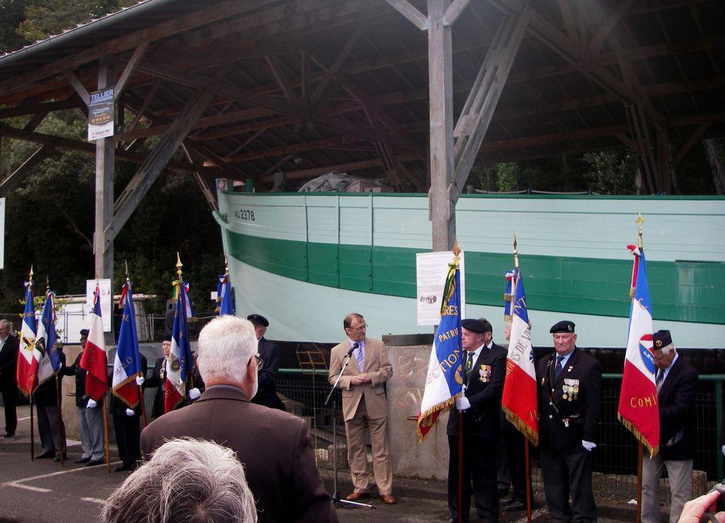 6 septembre 2013 - Saint Malo - à bord du Dundee Ar Zenith, signature d'une charte de jumelage entre l'association Ar Zenith et l'association Aux Marins. Photographies : Céline Enthime