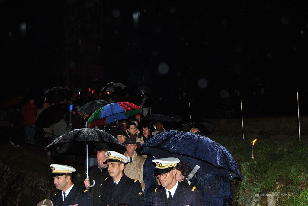 Dimanche 10 novembre 2013 - 6ème édition du ravivage de la flamme du souvenir au Mémorial National des marins morts pour la France.Photographies : Jean-Luc Le Bris et Raymonde Rupin