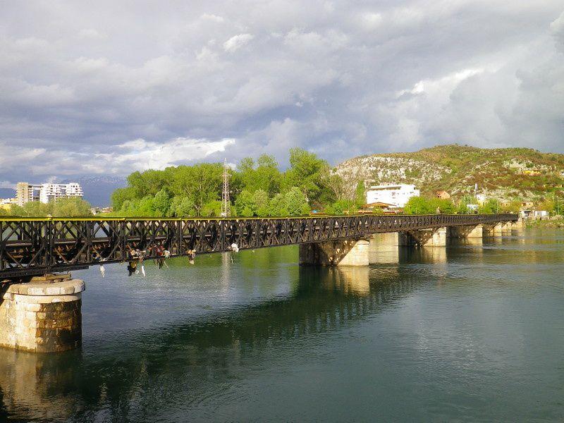 20 au 30 avril Circuit cycliste 758 km Départ-arrivée: Tirana - Etapes : Tirana, Shkoder,Durrës, Rradhimë, Himarë, Rradhimë, Berat, Elbasan, Tirana - Minibus : Rradhimë Himarë Vlorë - Photos ordre alphabétique