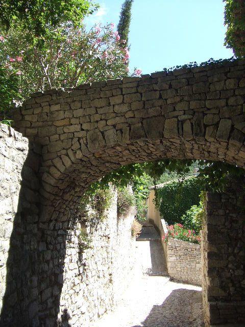 De Autun à Vaison la Romaine pour les 20èmes Choralies.764 km cyclistes de haut en bas y compris le Mont Ventoux.