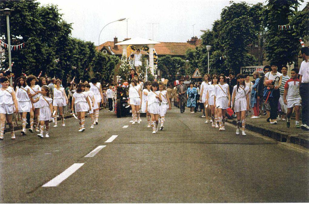 Album - la ville de Noyon  (Oise), 1987, le bouquet provincial