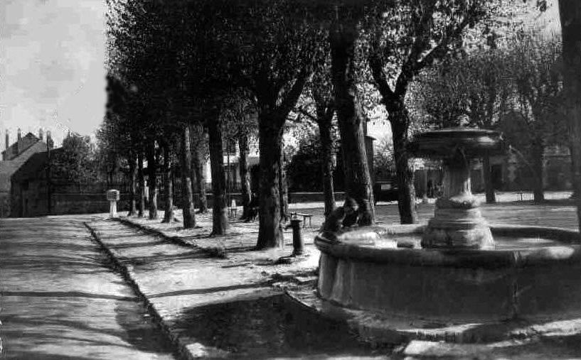 Album - le village de Beaulieu-les-Fontaines (Oise), les places et les rues