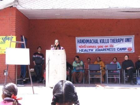 Photos de la journée de sensibilisation à Haripur, du travail de Kanica et de Linda dans l'Unité Handimachal, des travaux de Hafite notamment pour le nouvel espace Snoezelen