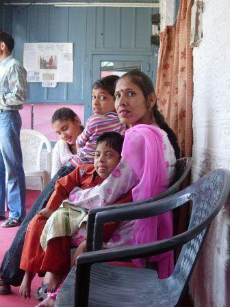quelques clichés d'enfants en cours de traitement dans l'Unité Handimachal