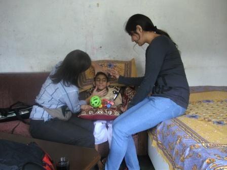 photos prises durant les visites à domicile réalisées par la kiné et l'ergothérapeute de l'Unité Handimachal
