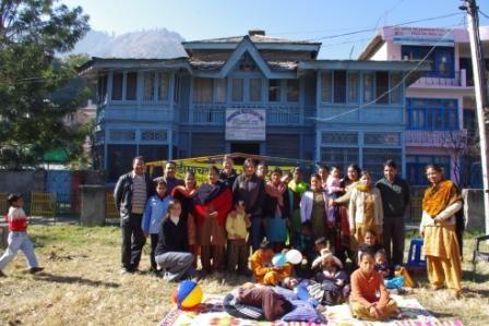 La journée internationale du handicap, célébrée à Kullu avec les enfants et leurs familles