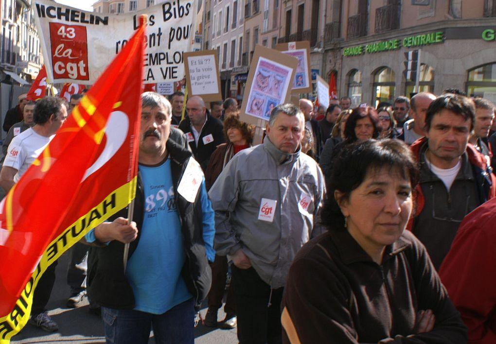 Manifestation interprofessionnelle public privé le 19 mars au Puy-en-Velay. 25.000 personnes pour une ville qui ne compte que 20.000 habitants.Crédit photos : Claude E.(sauf 0825-1 : Claude L.)