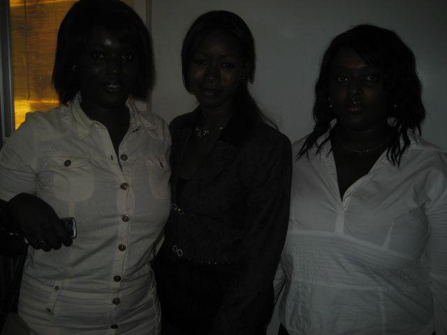 Là sont les images des soutenances de maîtrise de Birame Sarr, Aminata Niang et Bacaray Badiane, le 18/01/10 couronnée par des mentions Très Bien. Revivez l'évènement.