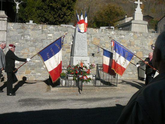 Ceremonie du 11 novembre qui a eu en fait lieu le 14 pour combiner la ceremonie avec le week end et l'exposition photo qui avait lieu les 13 et 14 novembreLe Castor