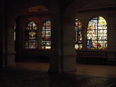 Le 17 mars 2011, Marie-Annick donnait son cours à l'église Saint-Étienne-du-Mont. Il fallait repérer puis dessiner ou photographier les contrastes entre zones claires et zones foncées, ou bien entre parties nues et celles riches en détails.