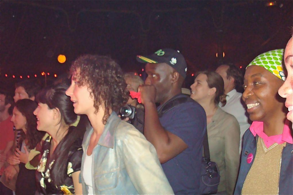 jeudi 23 juillet 2009sur scene :  *Calypso rose : Aambassadrice de la musique caribéenne.Légende vivante du Calypso et de le Soca ,elle est née le 27 avril 1940 dans la petite ile de Tobago, république de Trinidad & Tobago, dans les Antille