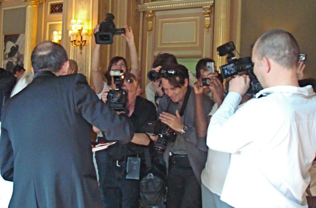 Apres la création de la marque de leur  Jeans mythique imaginez  Marithé et  François Girbaud en créateur d'une  Pâtisserie Fashion « Sweet Love »pour le Café de la Paixsous l'égide de Paris, Capitale de la CréationLove3....