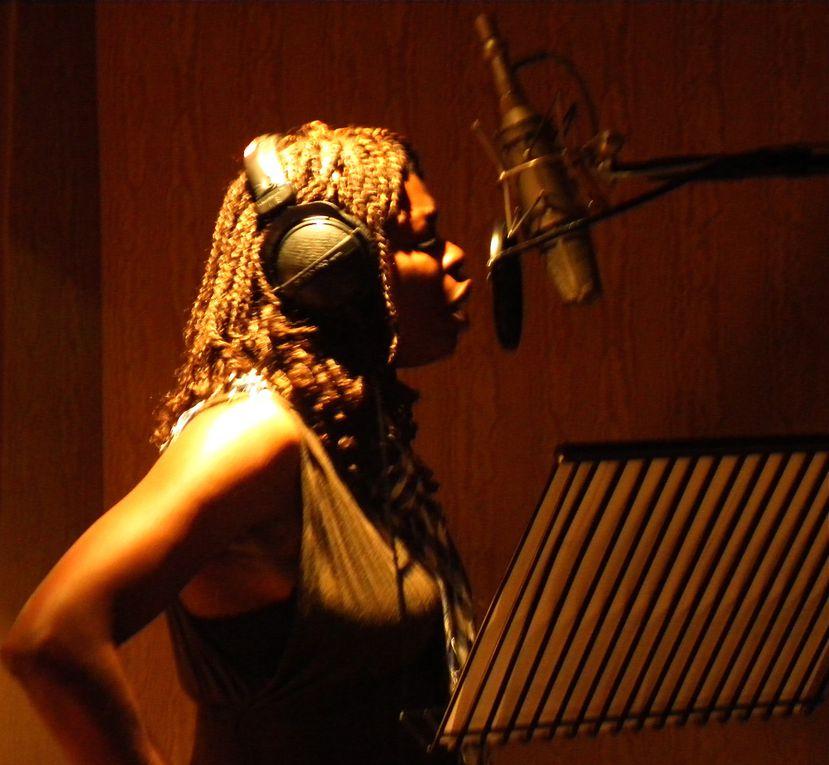 juillet-août 2010 enregistrement de Juste Erika, de Princess Erika. Studio davout. Khalil Maouenne. Fernando, etc...Ma Solange Oussou Brez