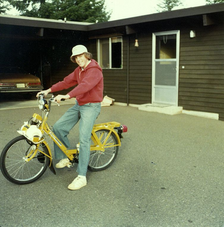 Stewart's yellow 1975 Solex 4600 V2.
