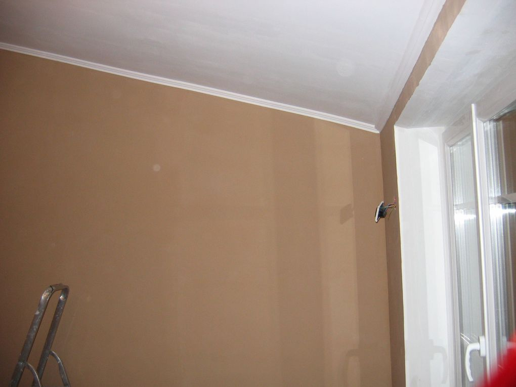 Renovation de la seconde chambre. Devinette : une photo montre avant, laquelle ?