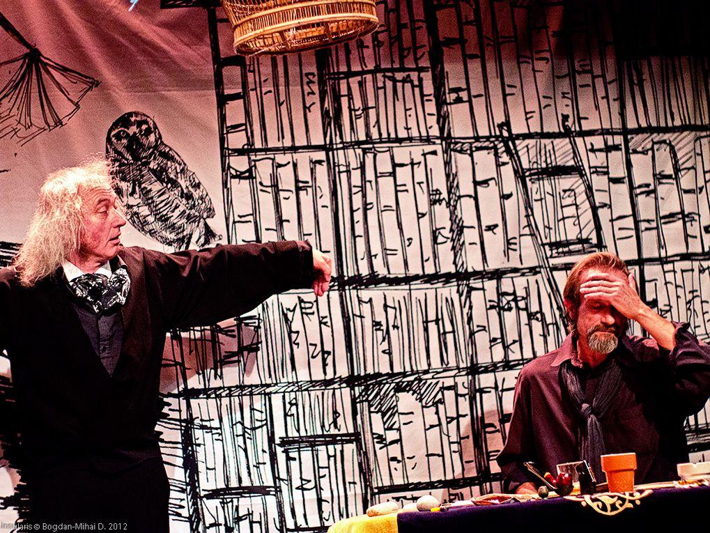 photos de la pièce de théâtre de Henry Le Bal avec Marc Di Napoli actuellement à l'affiche au théâtre de l'île saint-louis Paris 4.
