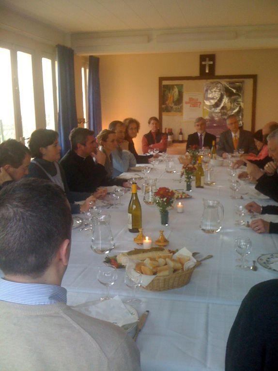 Déjeuner du 30 01 2011le conseil pastoral avec Mgr Aumonier