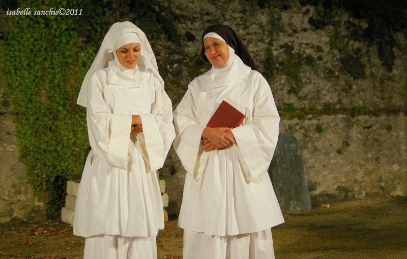 Photos : Isabelle SANCHIShttp://araucaria.fiftiz.fr/albums/4478,cyrano-de-bergerac-par-l-ourson-blanc-2011.html