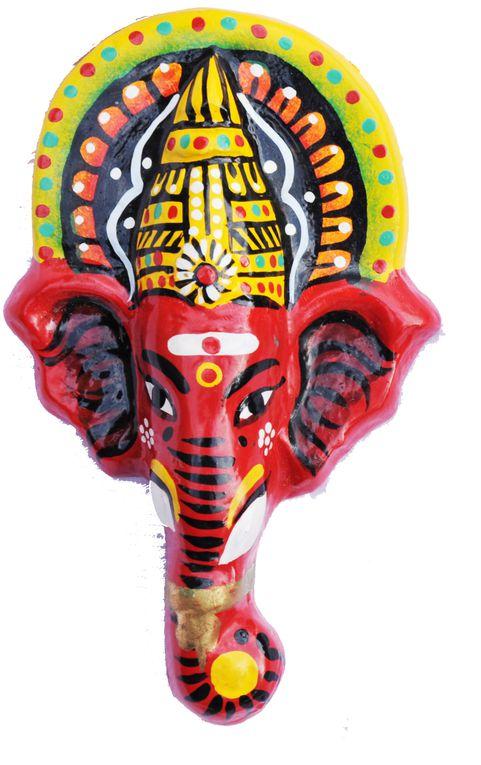 Les magnets fabriqué représentent des divinités du panthéon Indien dont le nom figure au dos de chaque objet.