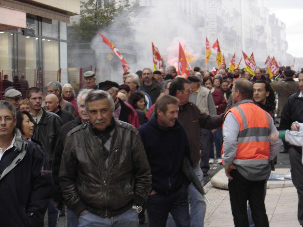 Toujours mobilisés, toujours danbs la rue, à Vichy comme ailleurs !
