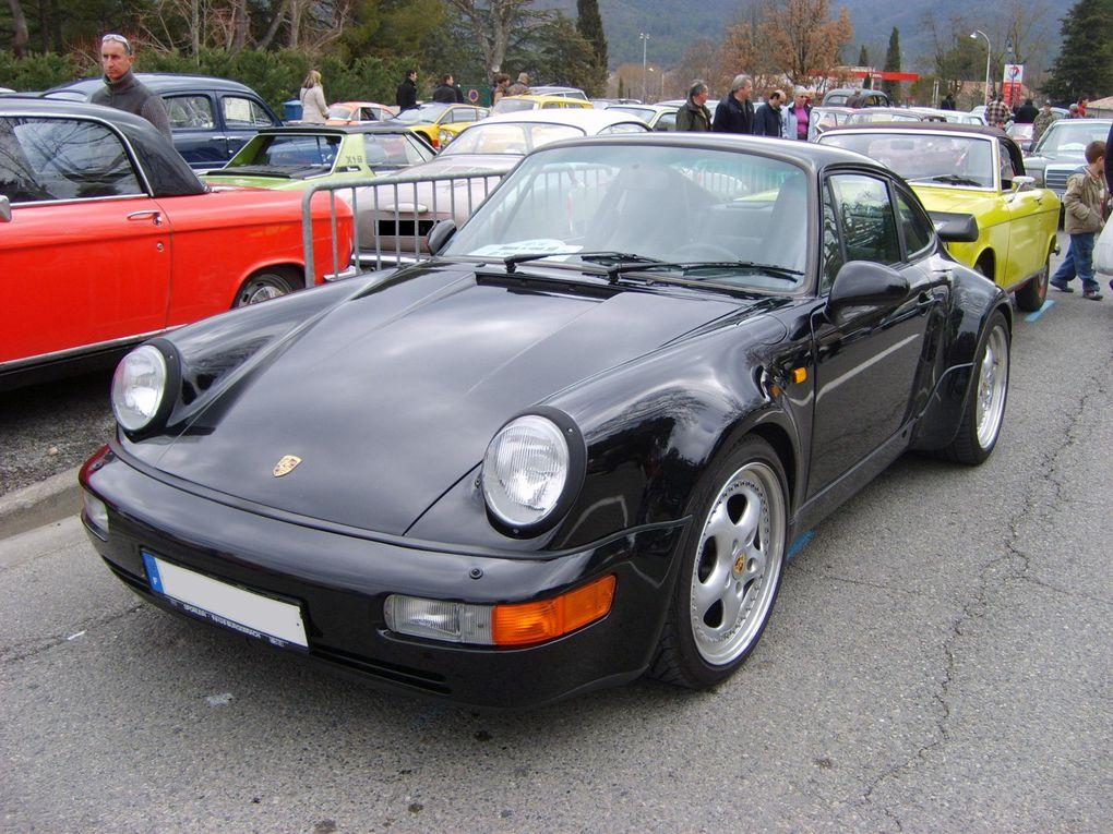 """Photos de voitures de sport d'occasion fabriquées en Allemagne. Carrosseries vue de 3/4 avant et arrière. Marques Opel et Porsche. Modèles GT 1900, 911 type 911 Speedster """"Turbo Look"""", 911 type 964 Carrera 4, 911 type 964 Turbo."""