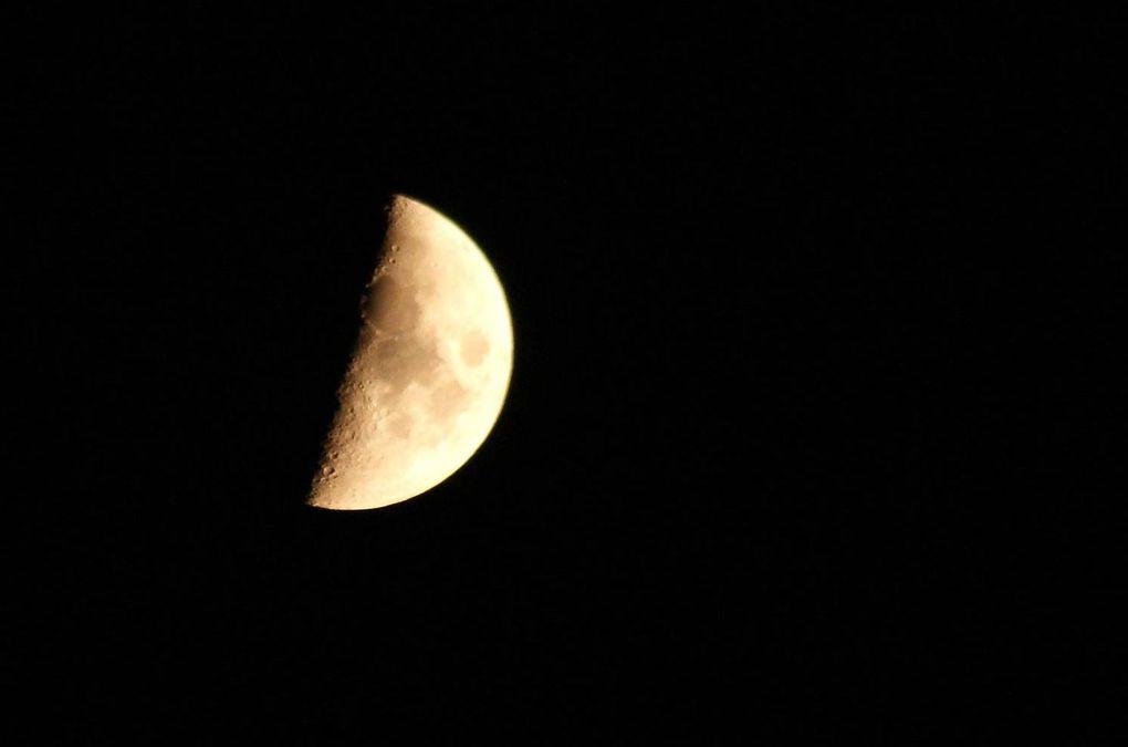 Tous vus de chez moi !! Ciels, soleils, lunes, nuages...