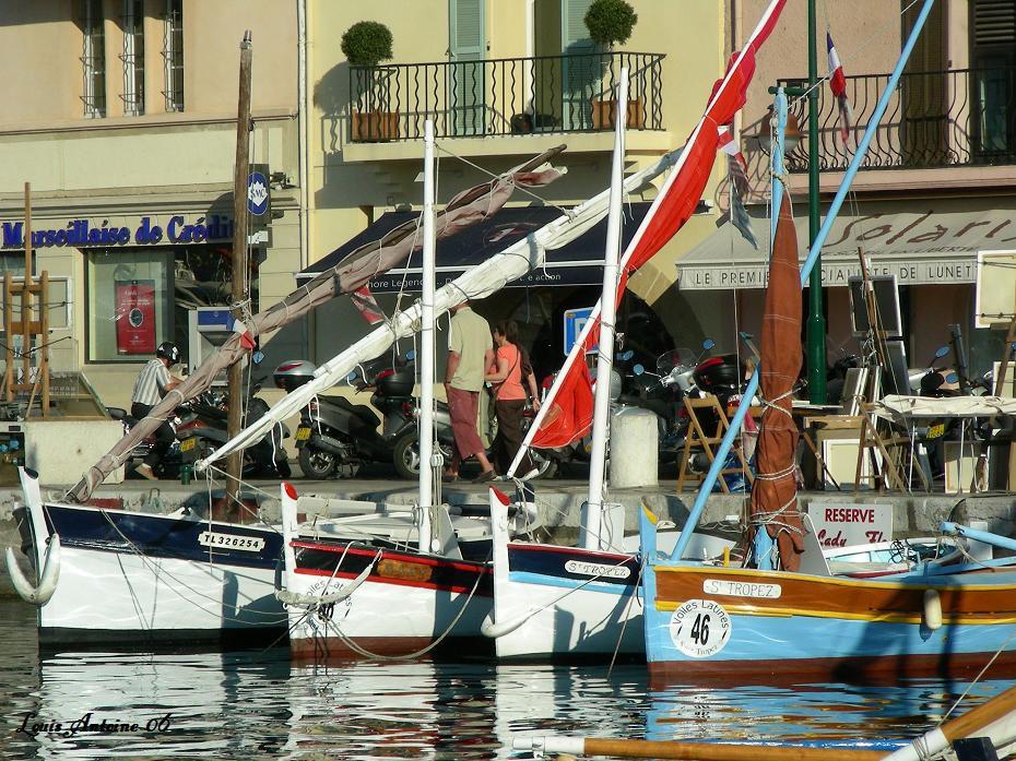 Chaque printemps un rassemblement de petits bateaux dont le gréement est à voiles latines.