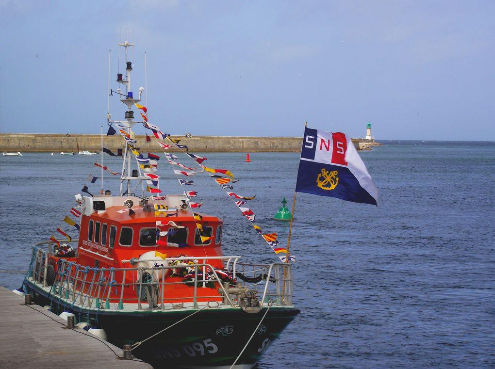 La Société Nationnale de Sauvetage en Mer. Merci à eux !