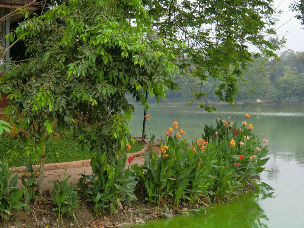 Shwe Dagon-Bouddha couché-port