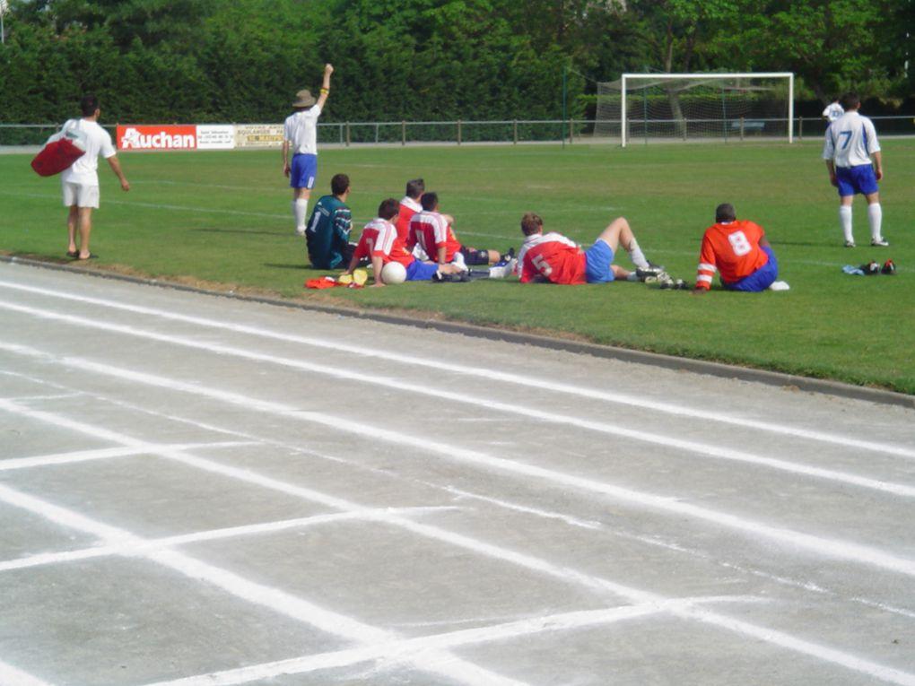 en  2006, rencontre des anciens et actuels pour une fêter les 12 ans de l'équipe D.