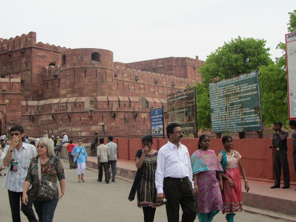 Circuit en Inde du NordLa province du Rajasthan Pushkar - Jodhpur - JaisalmerBikaner - Jaïpur - Agra - le Taj Mahal - Le Fort Rouge