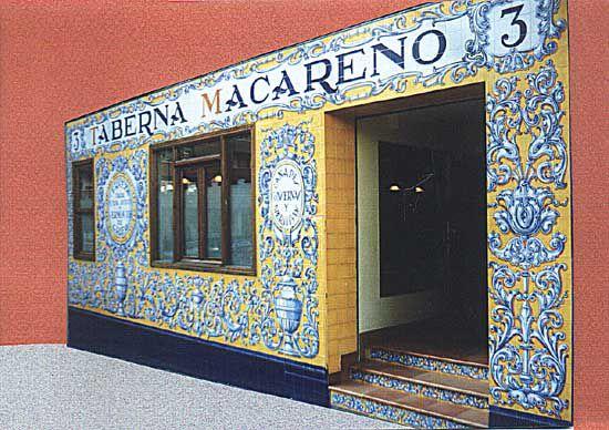 Colores y motivos inspirados en el arte mexicano, que ya sabemos deriva del español pero una cultura tan sanguínea no podía dejar de instroducir sus cambios. Así es como México hizo huella. Únicos. Solo me inspiro en ellos con respeto.
