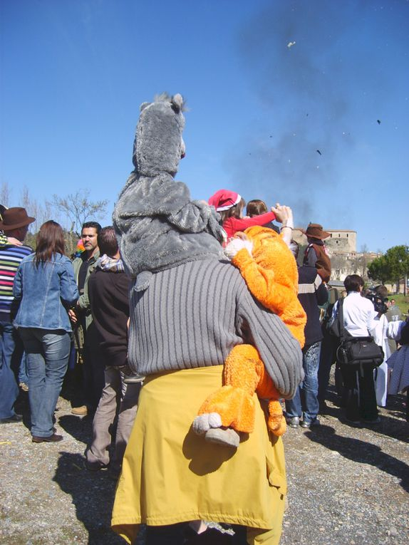Aperçu en quelques photos des déguisements colorés portés par les enfants ce jour-là.
