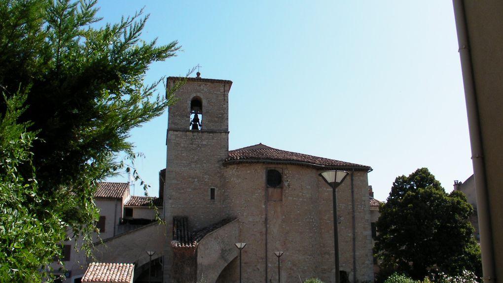 Cet album photo regroupe les images de paysages et patrimoines culturels provençaux comme les églises et chapelles, prises dans les villages de la région du Haut Var, département 83.