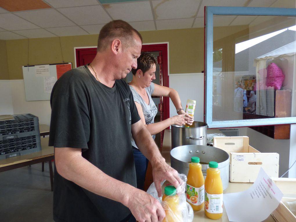 130 bénévoles ont mobilisé leurs énergies, leurs sourires et leur biscotos pour que Festiv'Arts 2014 soit une vraie fête. Merci à tous!
